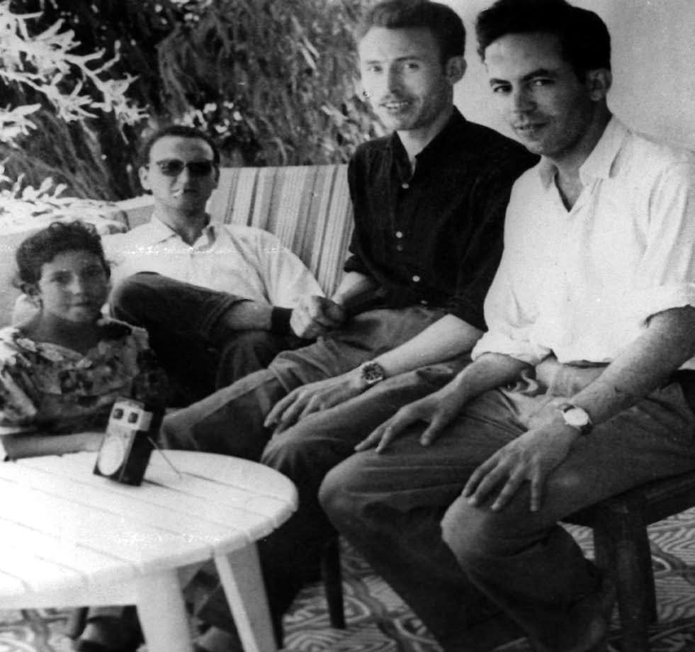 de gauche à droite: le colonel Benali Dghine Boudghène,le colonel Houari Boumédiène,commandant El Hadj Tewfik Rouaï