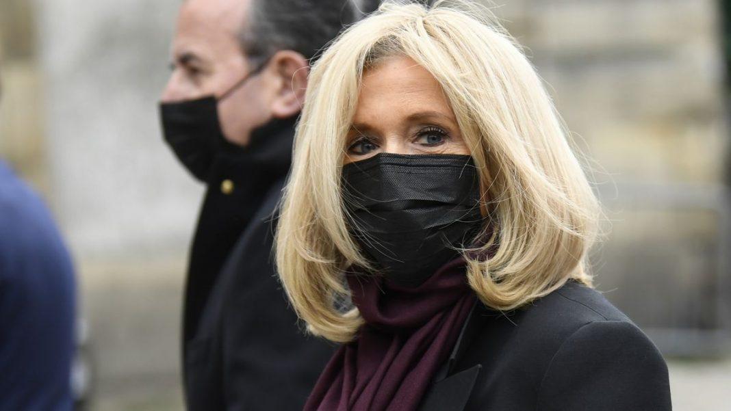 Par crainte d'avoir été contaminée : Brigitte Macron s'astreint  à l'isolement BRIG-COR-1068x601